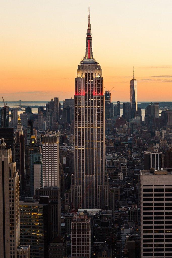 Empire State Building bei Abenddämmerung