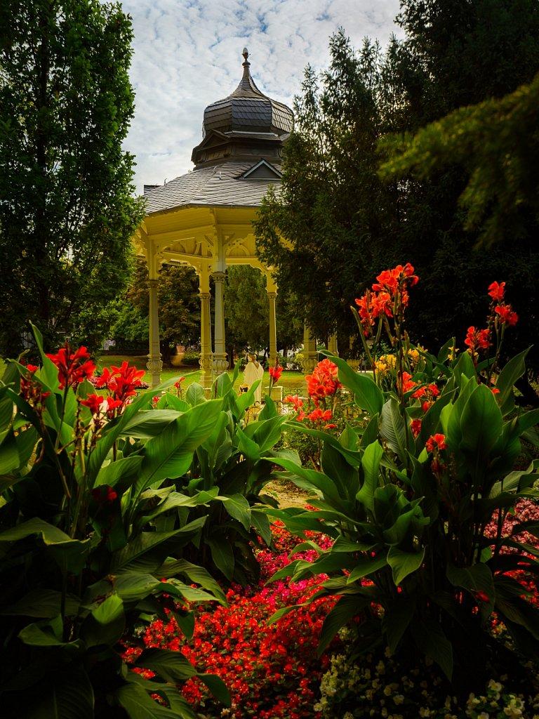 Blumen am Pavillon